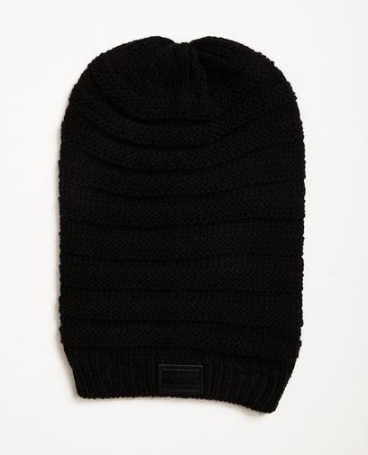Lange, schwarze Mütze